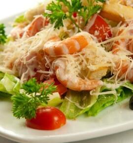 Салат Цезарь: 5 новогодних рецептов салата