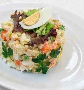 Оливье: 7 рецептов салата Оливье для новогоднего стола