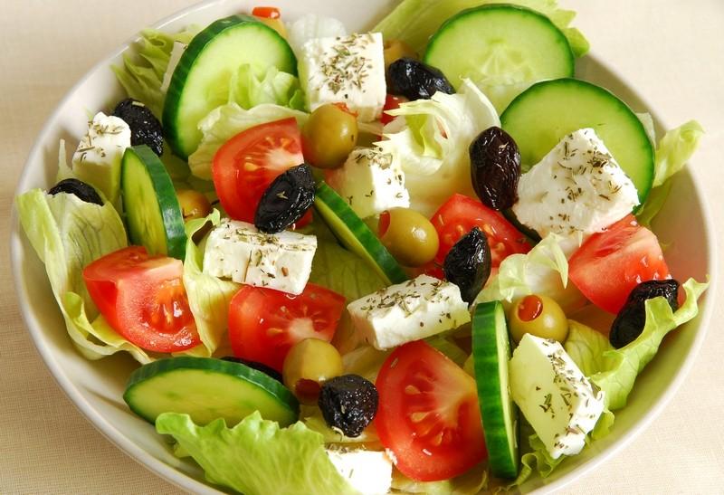Греческий салат: рецепт с брынзой