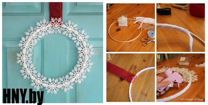 В продолжение зимней тематики: новогодний венок из пластиковых снежинок. Оригинально и быстро