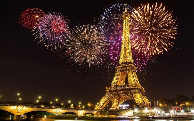 new-year-in-paris-main
