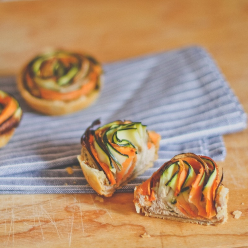 """Новогодние закуски: Мини-пироги """"Овощные спирали"""""""