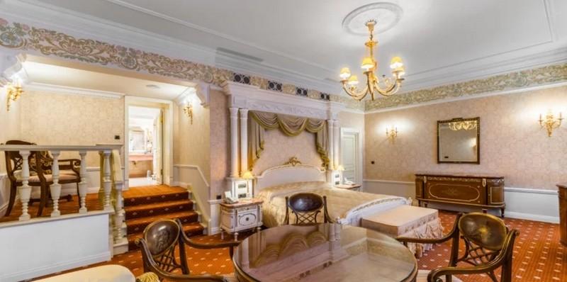 Где встретить Новый год в Питере: «Талион Империал отель»