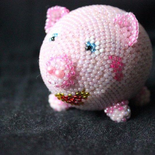 Елочные игрушки из бисера своими руками: свинка
