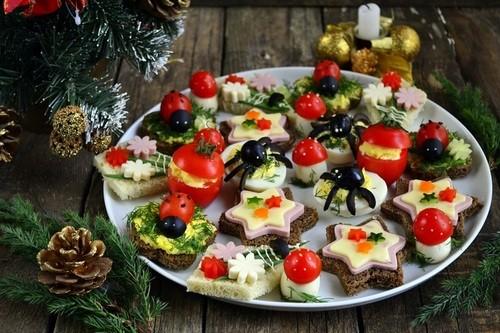 Украшение новогоднего стола: закуски на Новый год
