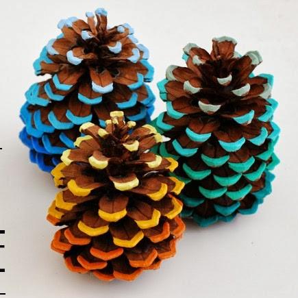 Игрушки на елку из шишек своими руками