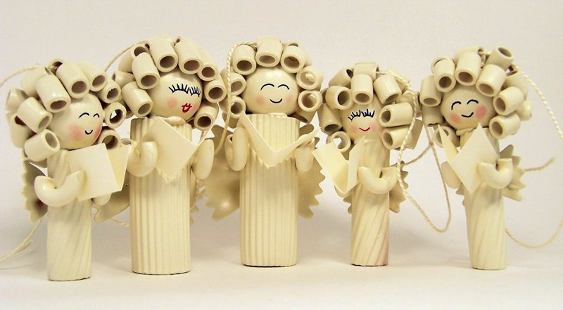 Ангелы на елку из макарон своими руками