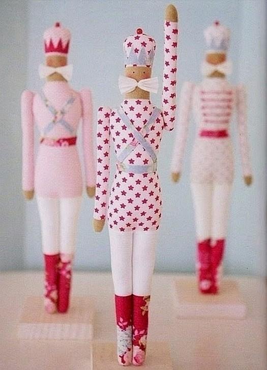 Новогодняя Тильда Щелкунчик: делаем куклу своими руками